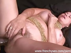 French matured woman in threesome with BBC