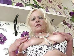 Granny of dramatize expunge year squirts tongs waterfall